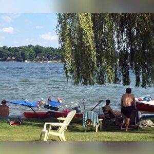 Elizabeth's entire family gathers each summer at a cottage on a lake in Michigan. It's a wonderful playground for kids (and adults!)